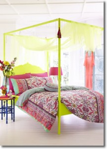 Accessorize Fluoro Paisley Bedding Set